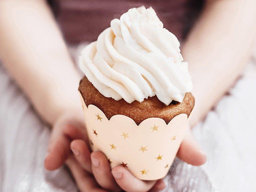 Muffinien tekeminen on hauskaa lapsillekin