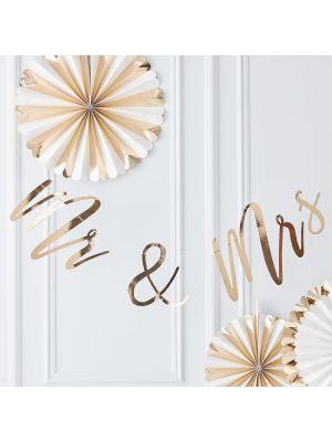 """Hääkoriste, kultainen banneri """"Mr & Mrs""""."""