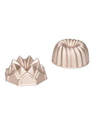 Patissen pienet kahvikakkuvuoat valualumiinista non-stick pinnoitteella, 10 cm. Kaksi eri muotoa, wheel ja Crown.