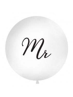 """Iso valkoinen ilmapallo mustalla tekstillä """"Mr""""."""