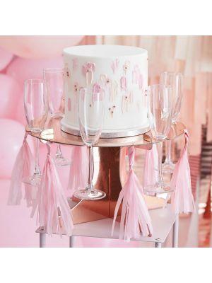 Ruusukultainen kakkujalusta juomapidikkeillä