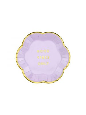 Violetit pienet pahvilautaset. Yksi pakkaus sisältää 6 kpl lautasta joiden halkaisija on 13 cm.