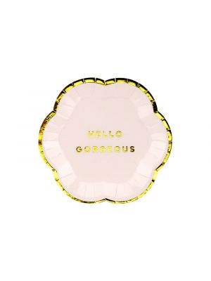 Hennon vaaleanpunaiset pienet pahvilautaset. Yksi pakkaus sisältää 6 kpl lautasta joiden halkaisija on 13 cm.