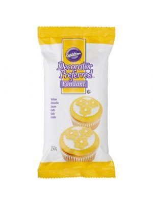 Wilton Decorator Preferred Fondant Yellow - Keltainen sokerimassa, 250g.