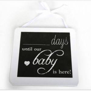 Liitutaulu -days until our baby is here!