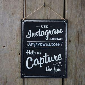 Liitutaulukyltti, Instagram hashtag.