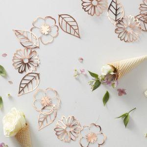 Ruusukultainen kukkaköynnös joka on 3 metriä pitkä ja sisältää 18 kuviota.